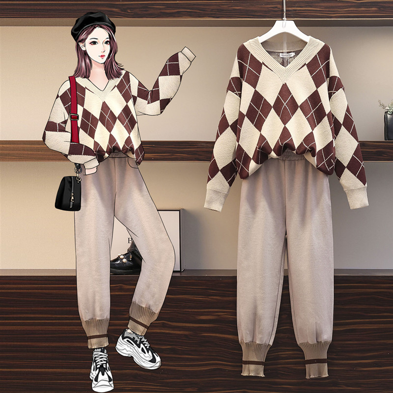 Fat sister big size womens fashionable foreign pie age-reducing knit sweater thin-skinned 蔔 pants suit womens autumn and winter