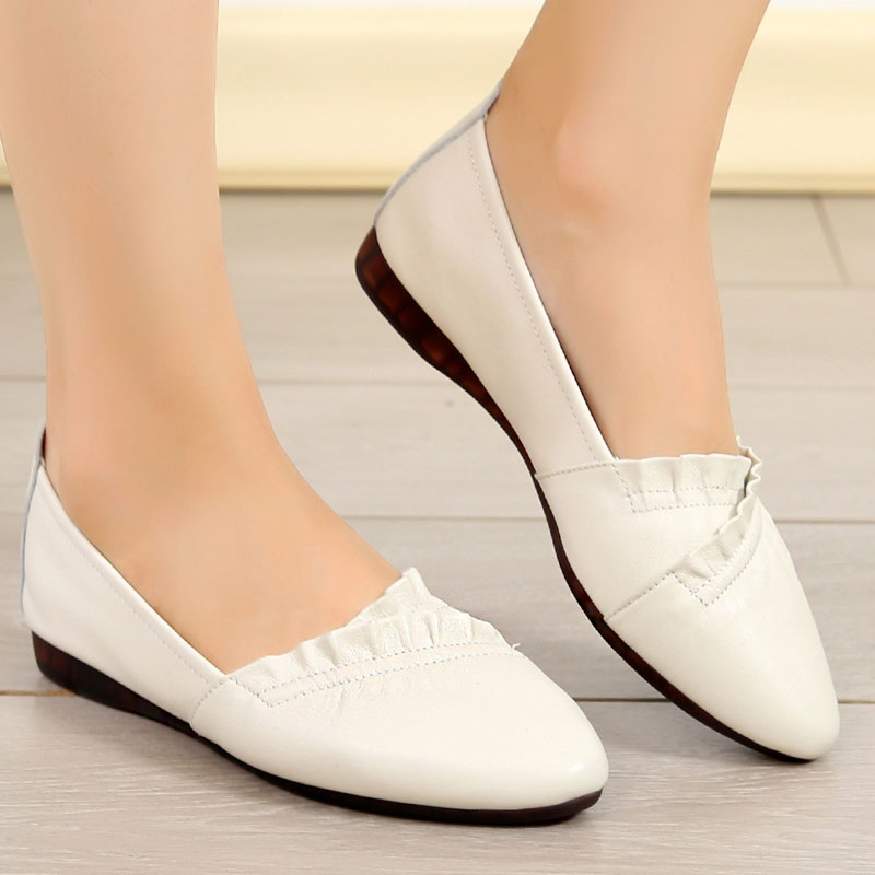 2009 Fashion Leather Single Shoes Super Large Size Women's Shoes 41-43 Spring New Fat-footed Flat-soled Mother's Bull Tendon-soled Leather Shoes
