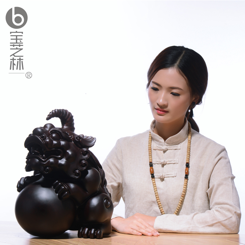 Black sandalwood carving, mink decoration, town living room exorcism carving crafts, a pair of large Pixiu household decorations