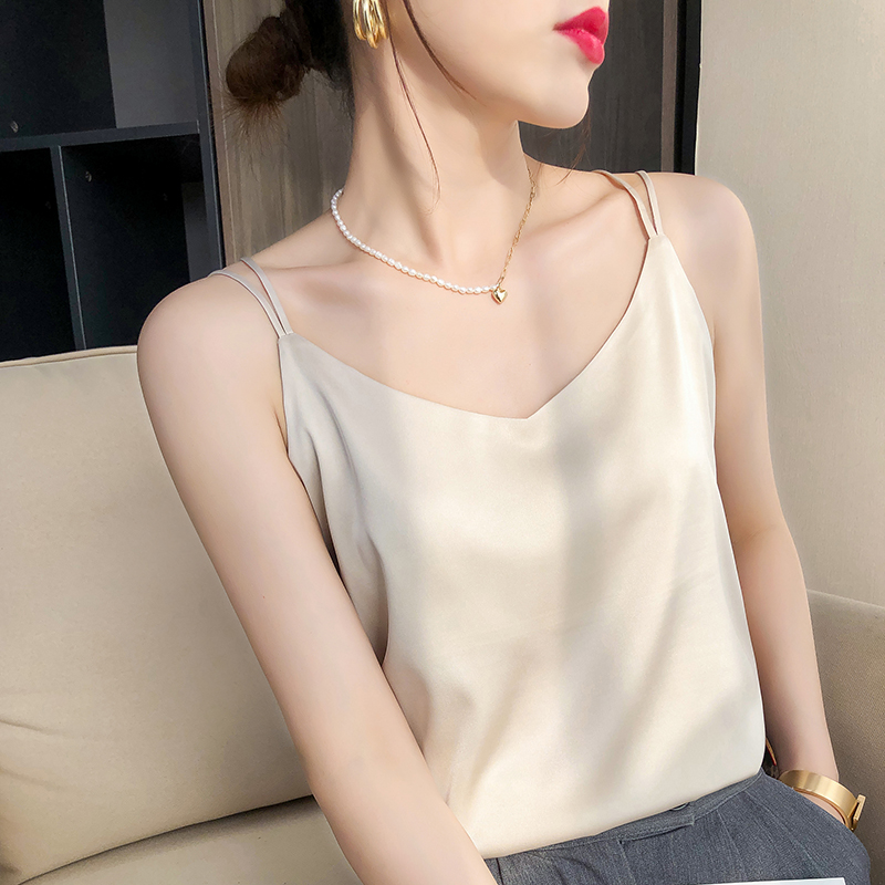 Silk camisole Women wear loose black sleeveless blouse Spring and summer small suit Mulberry silk base shirt