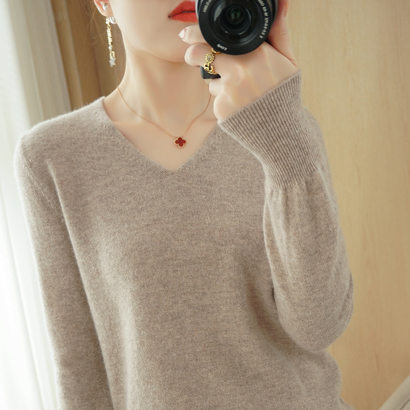 Womens 2021 new item early spring thin long-sleeved knitwear casual spring short blouse loose-bottomed shirt sweater
