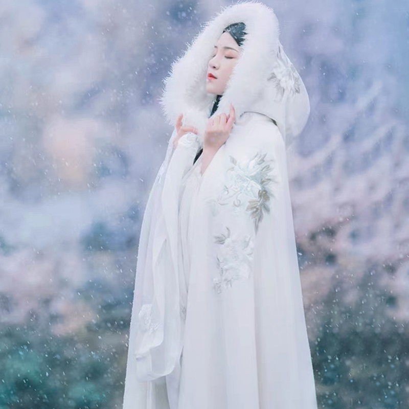 Han clothing cloak womens winter plus velvet plus thick warm antique cape long version of the Chinese wind white fairy air winter autumn and winter