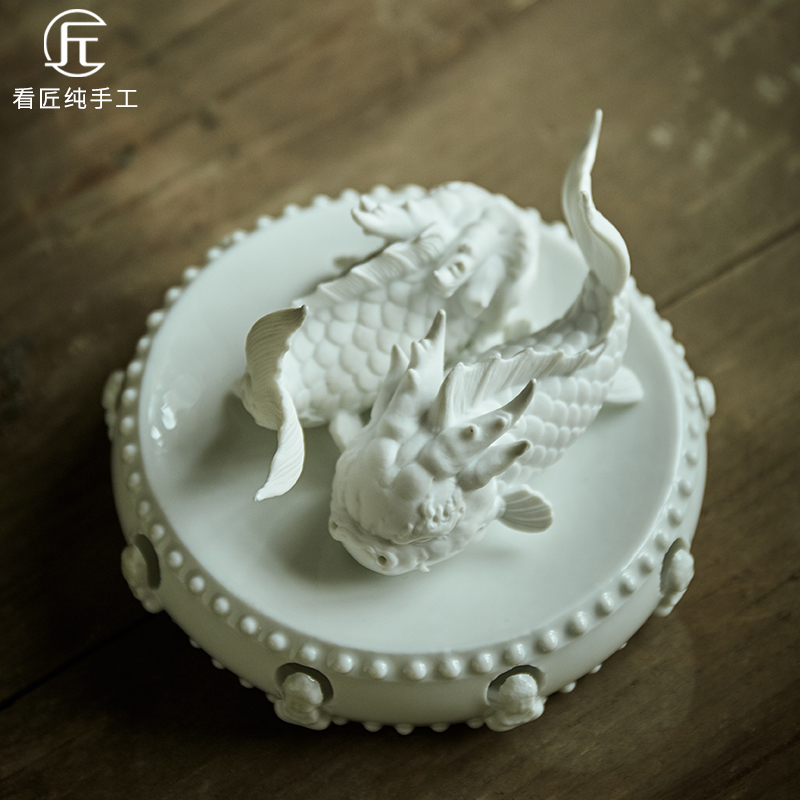 Look at the artisan Red Dragon money tea pet can raise tea decoration boutique tea set personality creative tea to play handmade ornaments