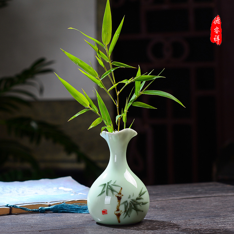 Jingdezhen Ceramic Decoration Mini-ceramic Hand-painted Vase Mini-vase Mini-fresh Hand-painted Flower Arrangement Porcelain