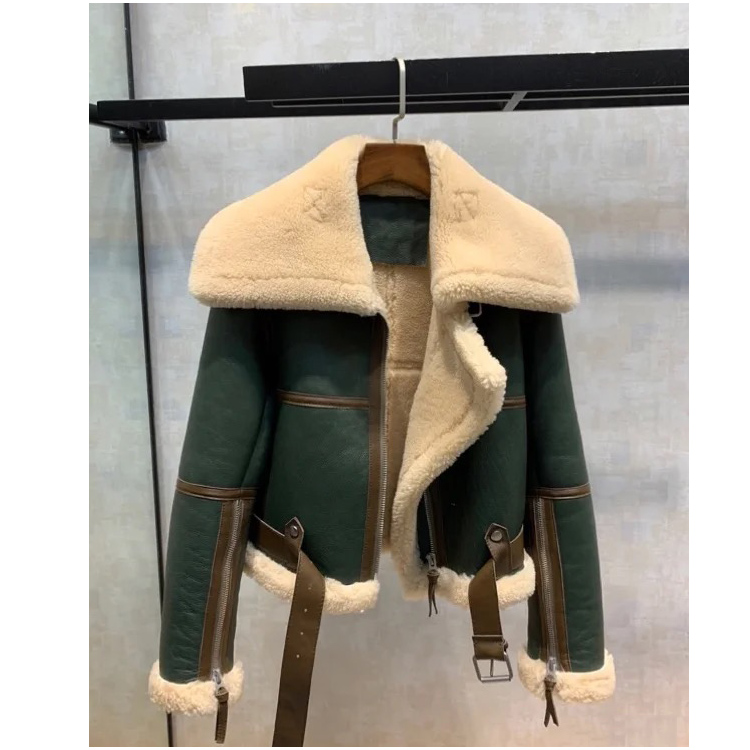 2020 winter clothes new green stitching large turntable locomotive suit women thick short fur one cashmere jacket