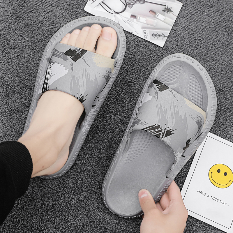 Slippers men's tide outdoor casual men's sandals summer wear Vietnamese beach shoes net red super fire bread shoes sandals