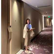 Mrs. Qian's long-sleeved V-neck knitted cardigan jacket, the new spring and autumn blouse for women wearing a lazy mohair sweater