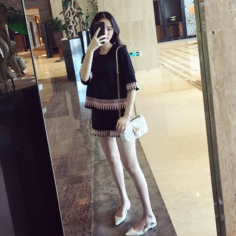 2021 new summer Korean version of small fragrant wind suit female age-reducing temperament pants wide leg pants thin fashion two-piece set