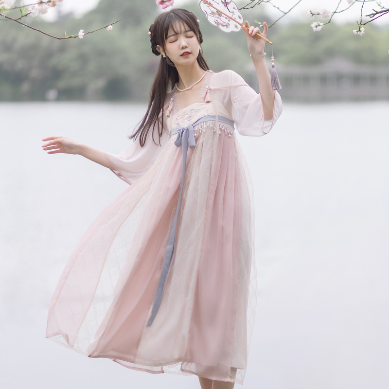 Chuan Dai:Cherry blossom valley heavy industry cherry embroidery Han element dress national wind girl chest long skirt