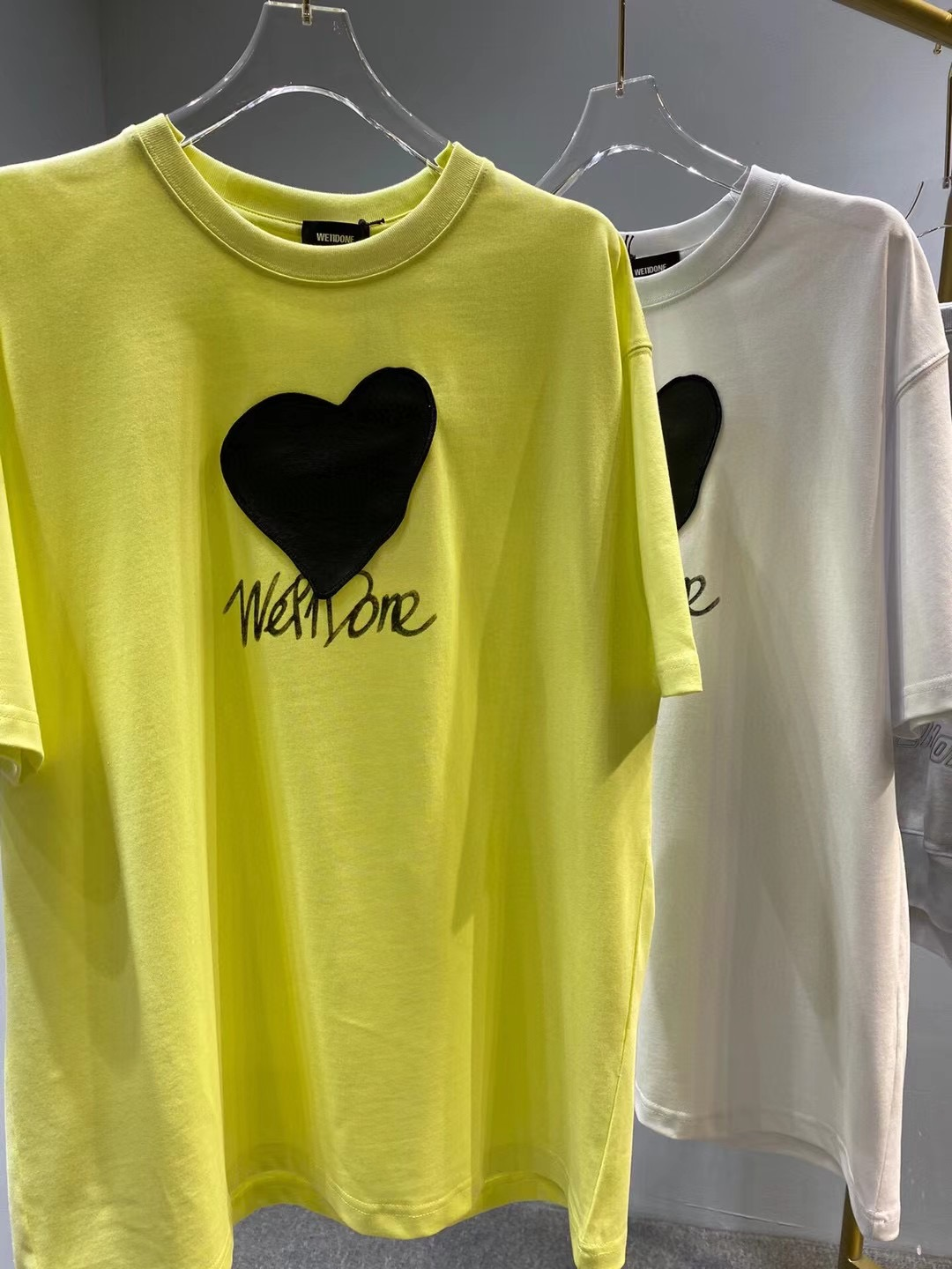 South Korea WE11DONE leather love short-sleeved stitched printing logo men and women with the same leather peach heart T-shirt