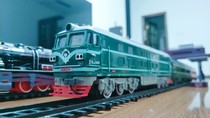 Green leather train toy super long track Dongfeng 4B high-speed rail electric track small train China simulation model set
