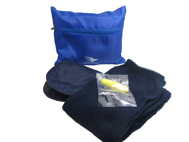 Indonesian Eagle Airlines special toiletries with accessories package three colors to start