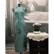 Wang Jia Zhi color ring soup only with the same paragraph long section qipao retro Hong Kong taste dress female printing chiffon star with