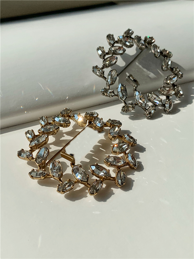 VIP special shot others do not send - SW golden Phantom diamond two-color brooch not heavy
