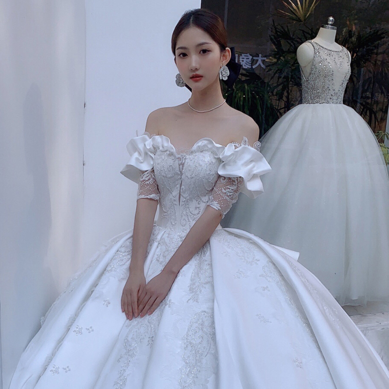 Satin wedding dress 2020 new bride one-word shoulder-to-shoulder dream super fairy court ancient show thin little man dress