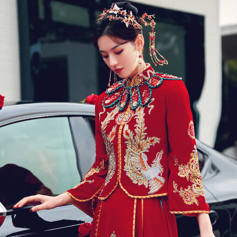 Show dress bride 2020 new winter velvet Chinese wedding dress show thin toast dress out of the pavilion suit dragon phoenix hanging dress