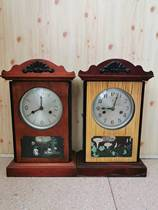 Folk old objects Old-fashioned table clocks Round-head watches Wall clocks Nostalgic traditional handicrafts Collectibles Film and television props Ornaments