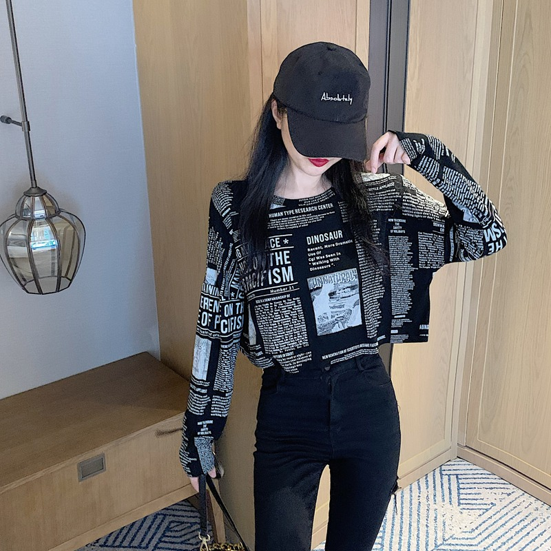 2021 spring new Korean version of the stylish black round-necked cotton bottoms t-shirt loose T-shirt short dew umbilical top woman