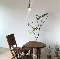Domestic can not buy the table in the middle of the folding table to buy are luck coffee shop super suitable
