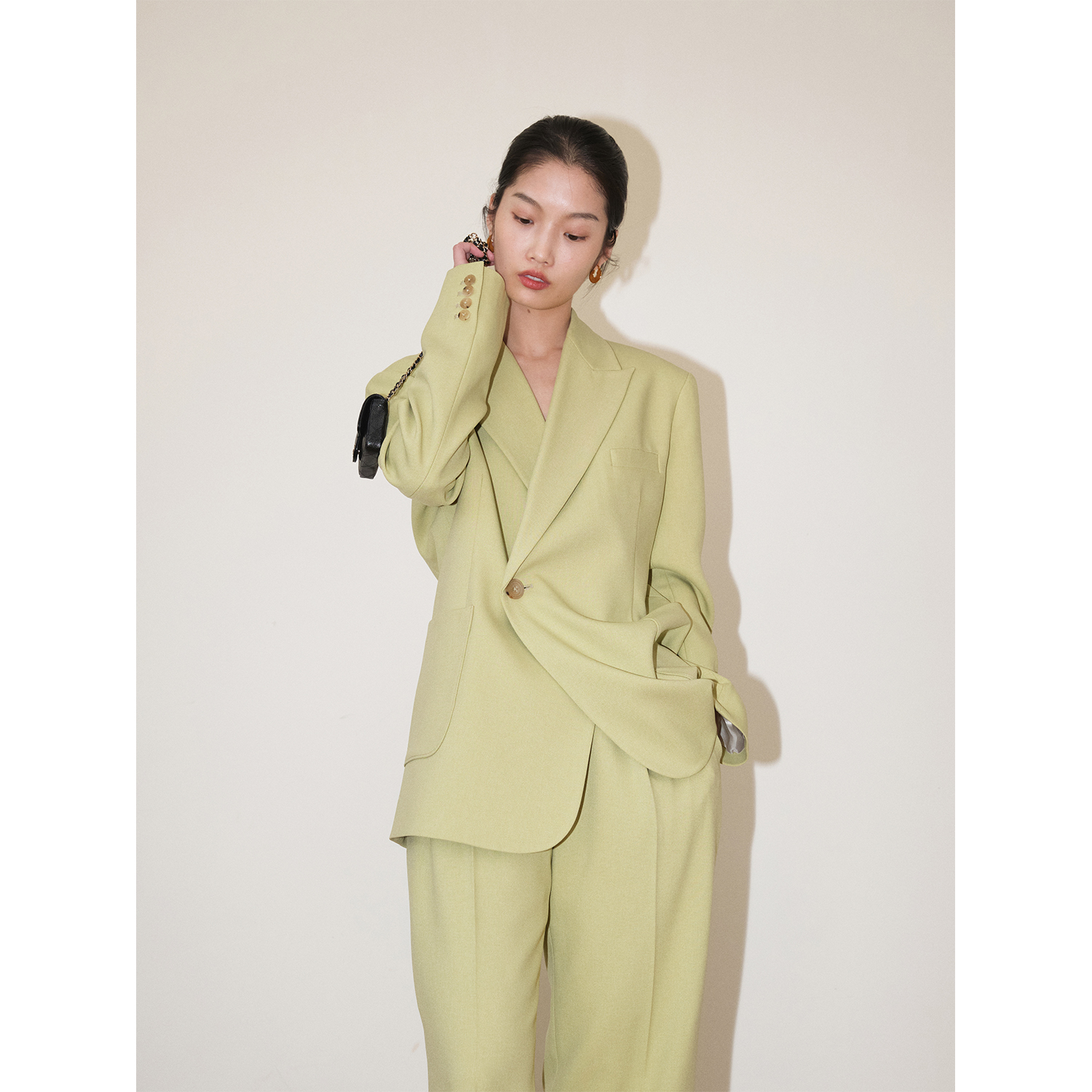 MRS Studios Early Spring new classic fashionable thin H-type one-button blazer Avocado green