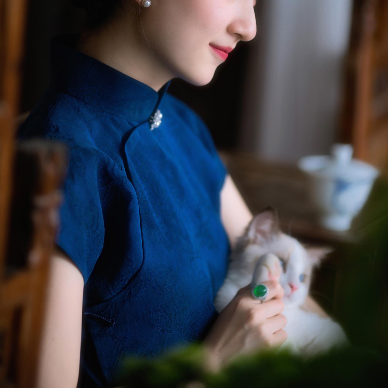 黛黛 丨 丨 丨 2021 spring new item 丨 Silk vintage fragrant cloud yarn Republic of China style short sleeve waist qipao fashion women