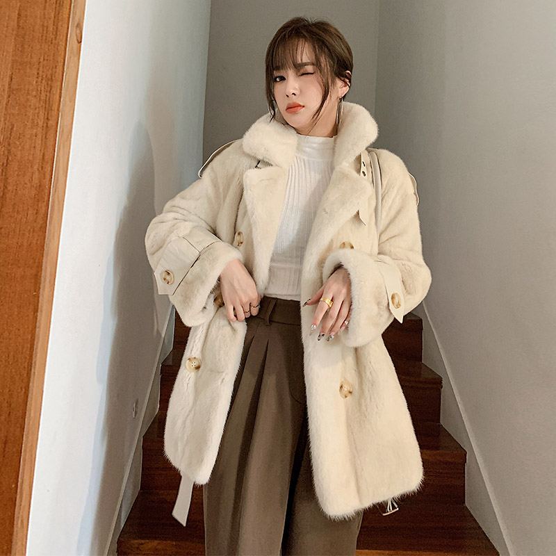 2020 New winter imported mink coat velvet medium-length mink fur womens whole young fashion jacket