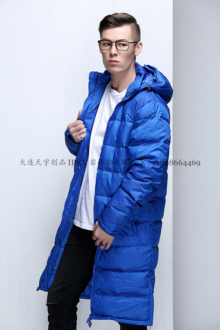The antelope produced the British UM treasure brand football training duck down coat for men and women from 399 yuan