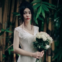 Dear white beach Lace Wedding Dress