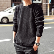 2017 new winter sweater T-shirt male Korean skiny black sweater knit sweater needle male backing